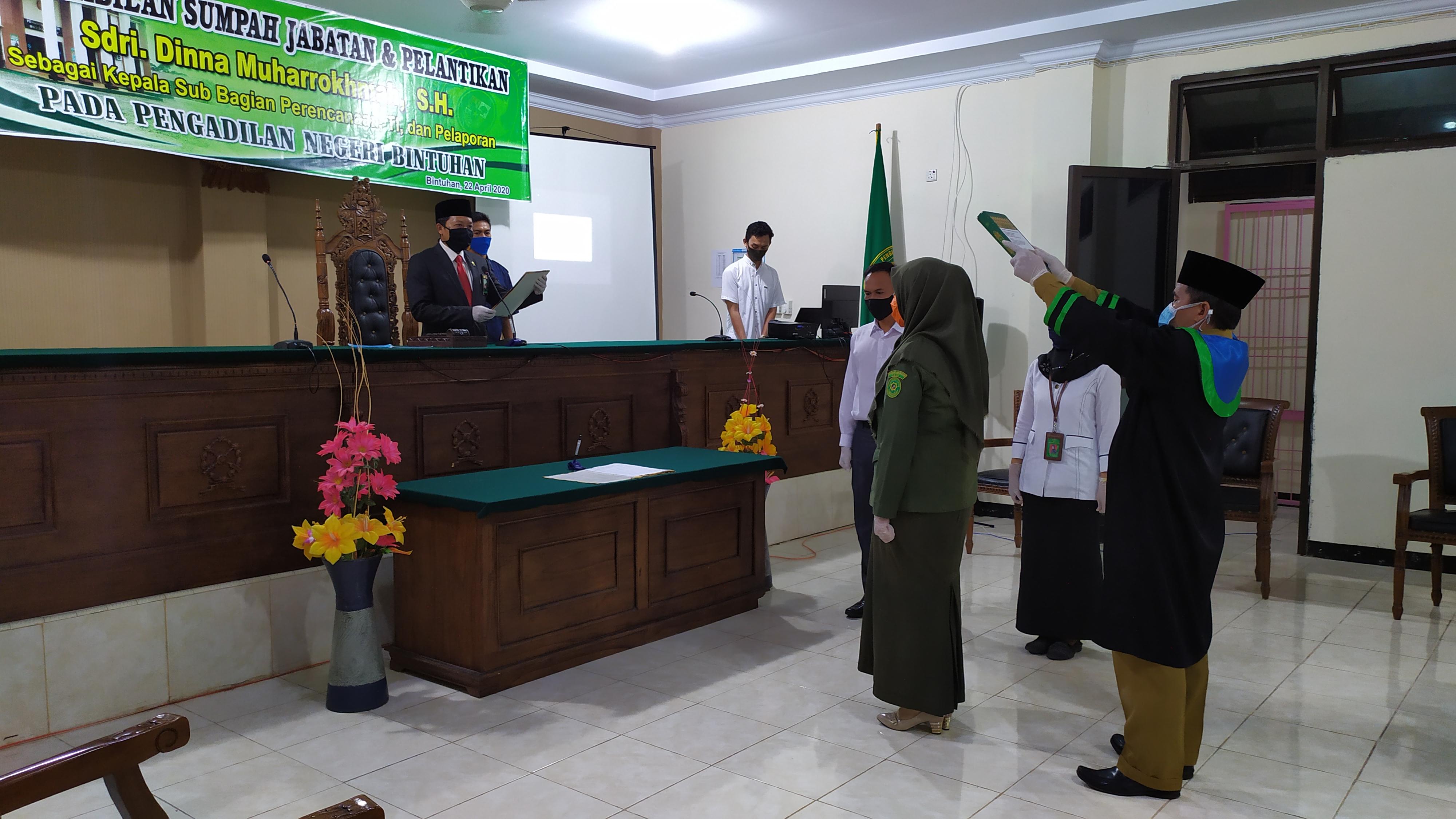 Pengambilan Sumpah Jabatan dan Pelantikan Kasubbag PTIP Pengadilan Negeri Bintuhan