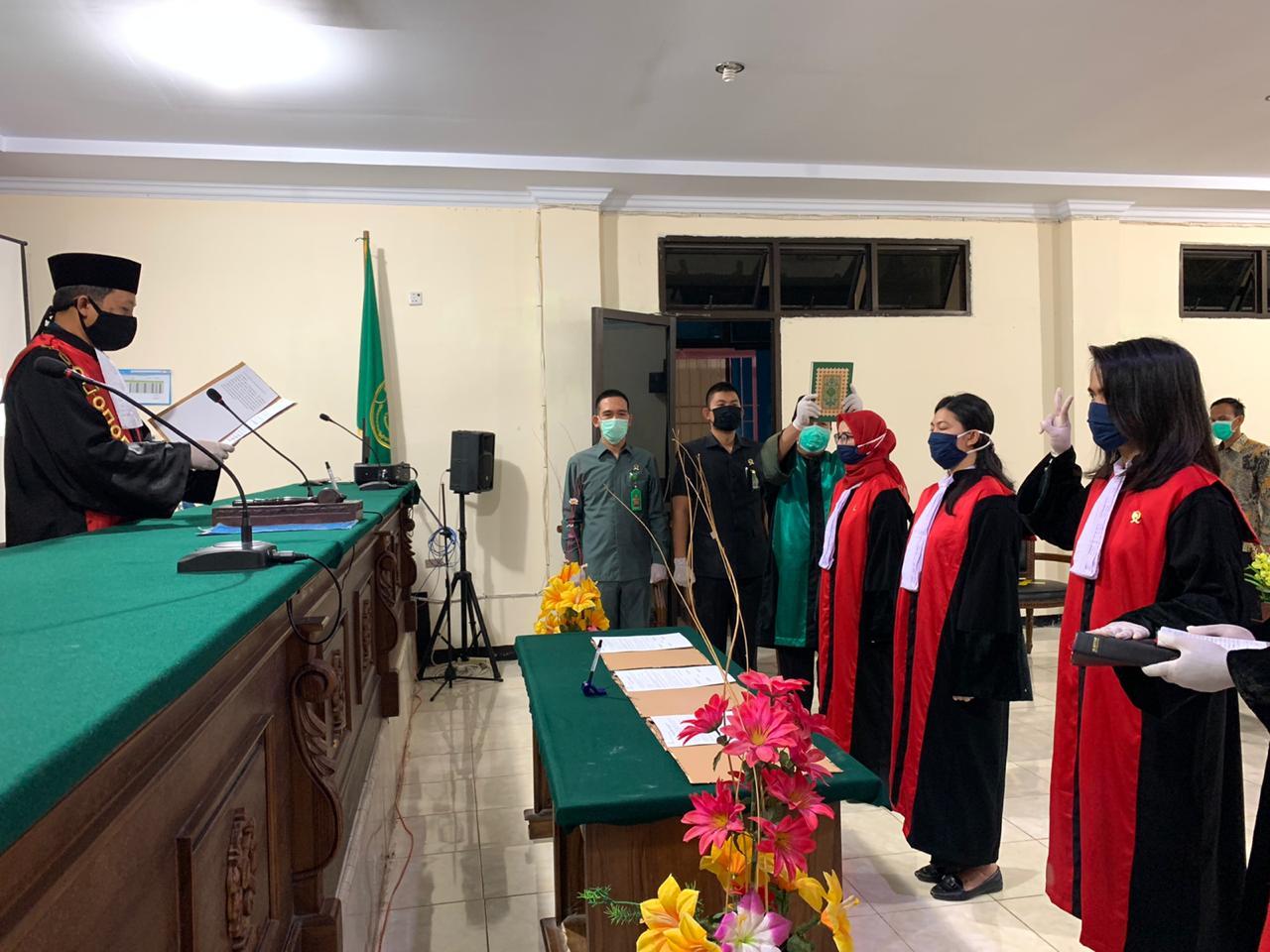 Pengambilan Sumpah Jabatan dan Pelantikan Hakim Pengadilan Negeri Bintuhan