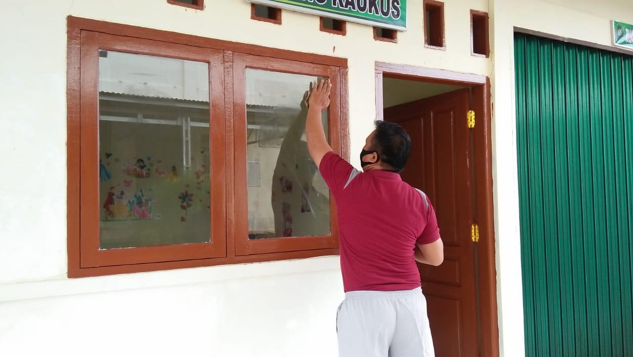 Kerja Bakti Kebersihan Kantor Pengadilan Negeri Bintuhan