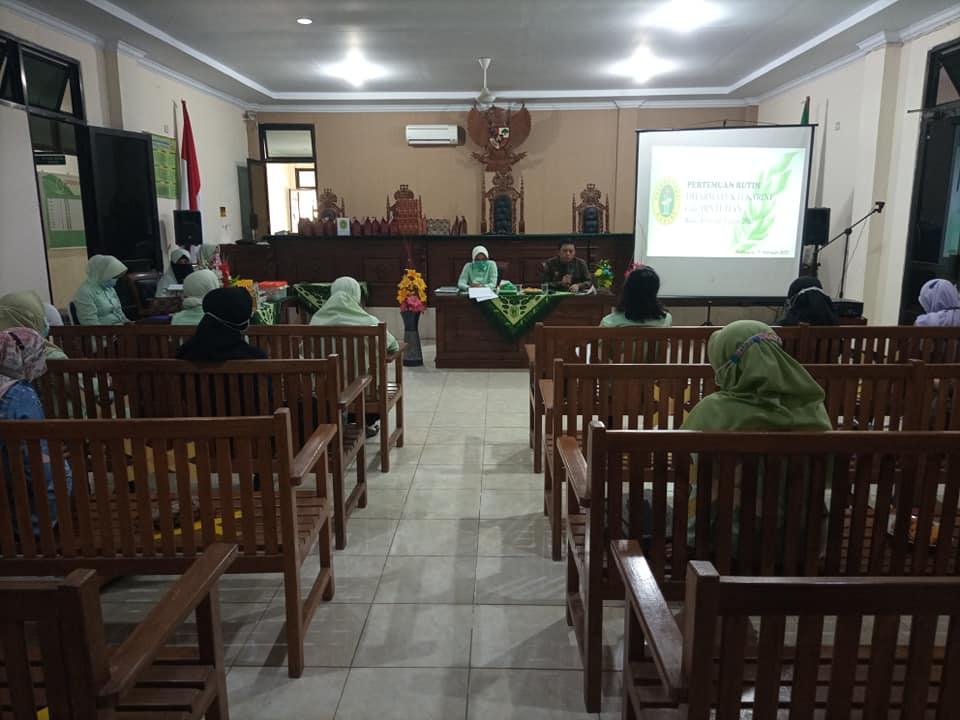Pertemuan Rutin Bulanan Dharmayukti Kartini cabang Bintuhan