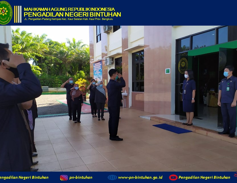Apel Pagi dipimpin oleh Hakim Pengadilan Negeri Bintuhan Ibu Sarah Deby, S.H